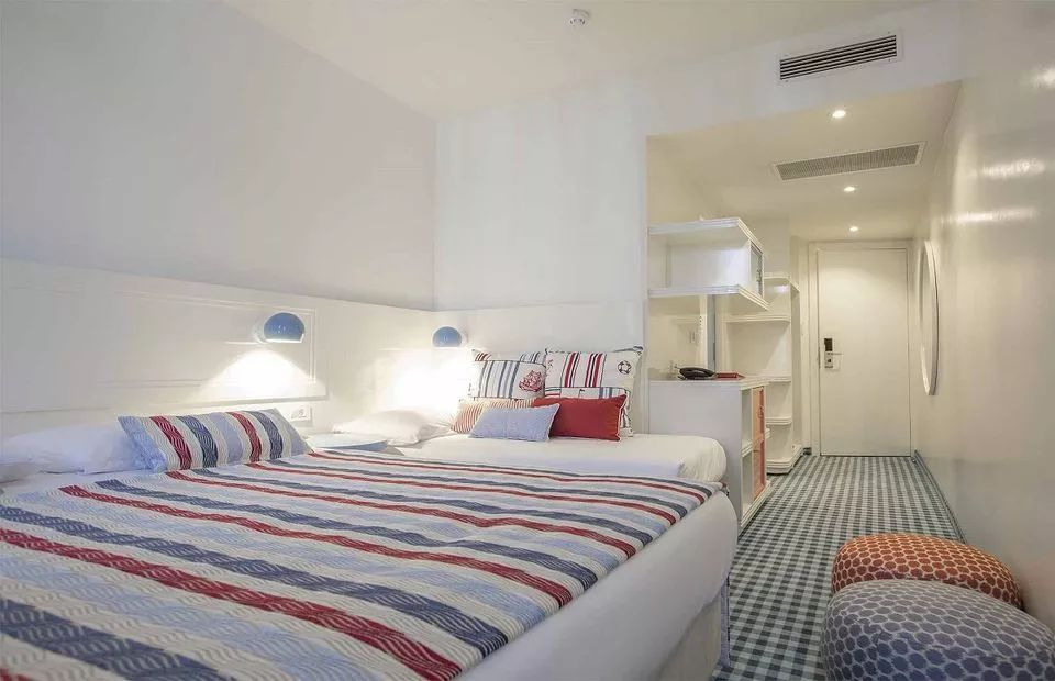 Double Room + 1  22m² Courtyard/Garden View with French Balcony-4