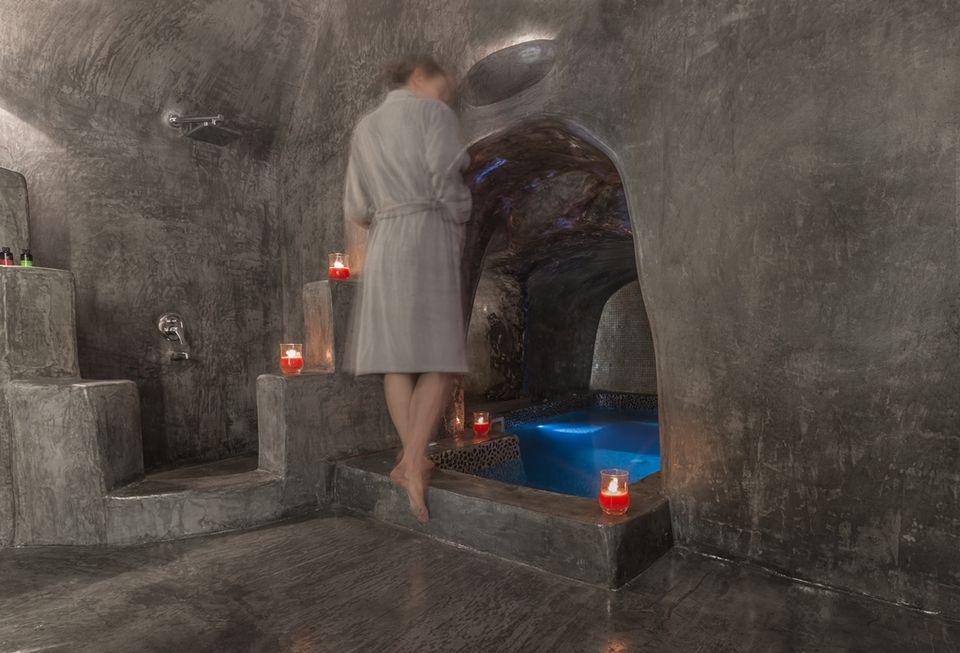Honeymoon Suite With Indoor Cave Plunge Pool Andronis