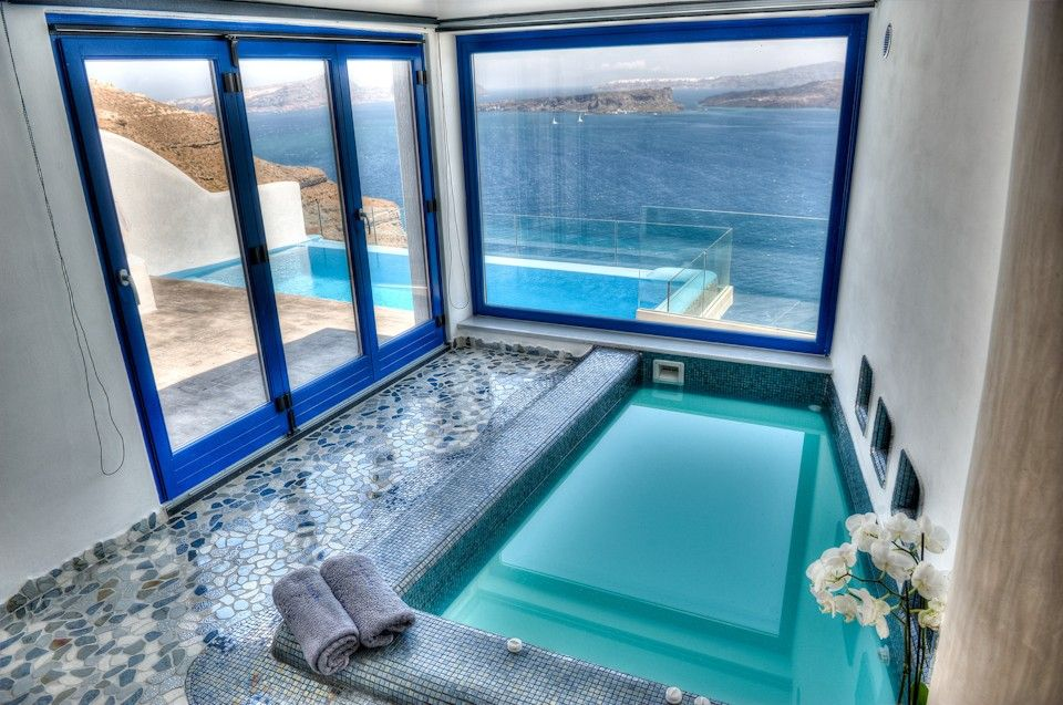 Astarte suite with private Infinity Pool & indoor couples Jacuzzi, Santorini