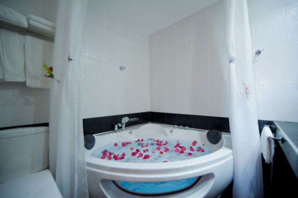 Quadruple Room with Jacuzzi for 2 persons - Bacchus Pension Ancient ...
