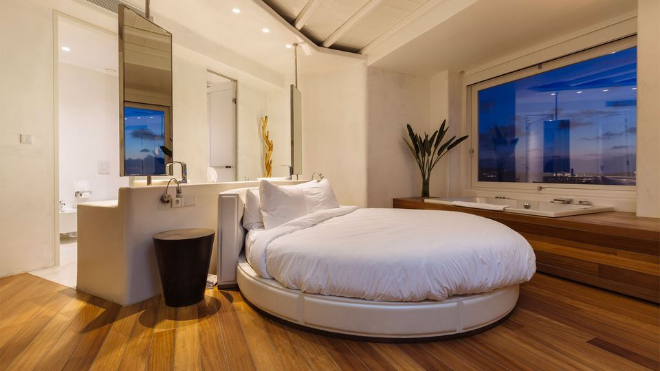 Honeymoon Suite With Private Pool Cavo Tagoo Hotel