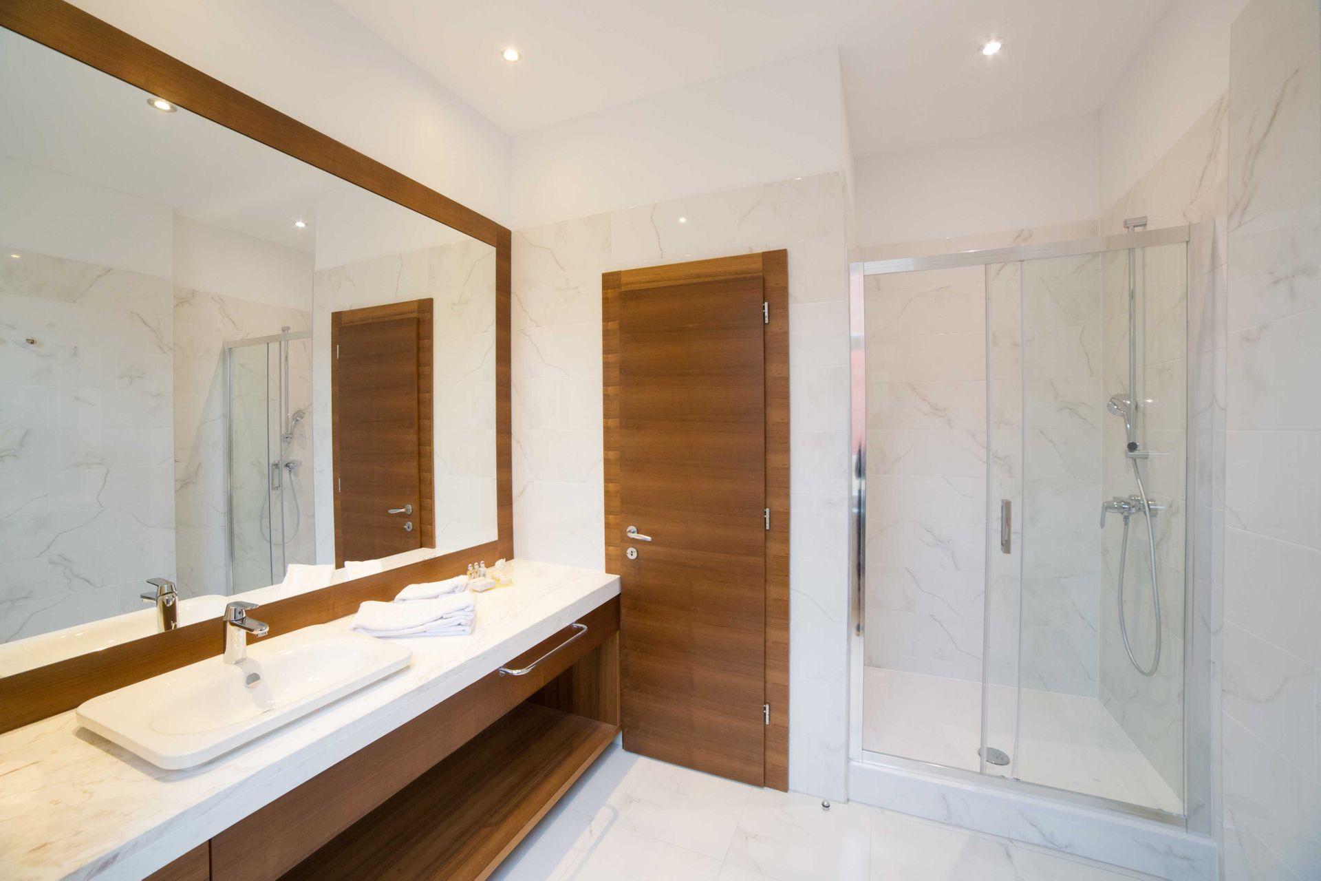 Deluxe Twin Room Villa Royal 28 m² Courtyard/Garden View-3