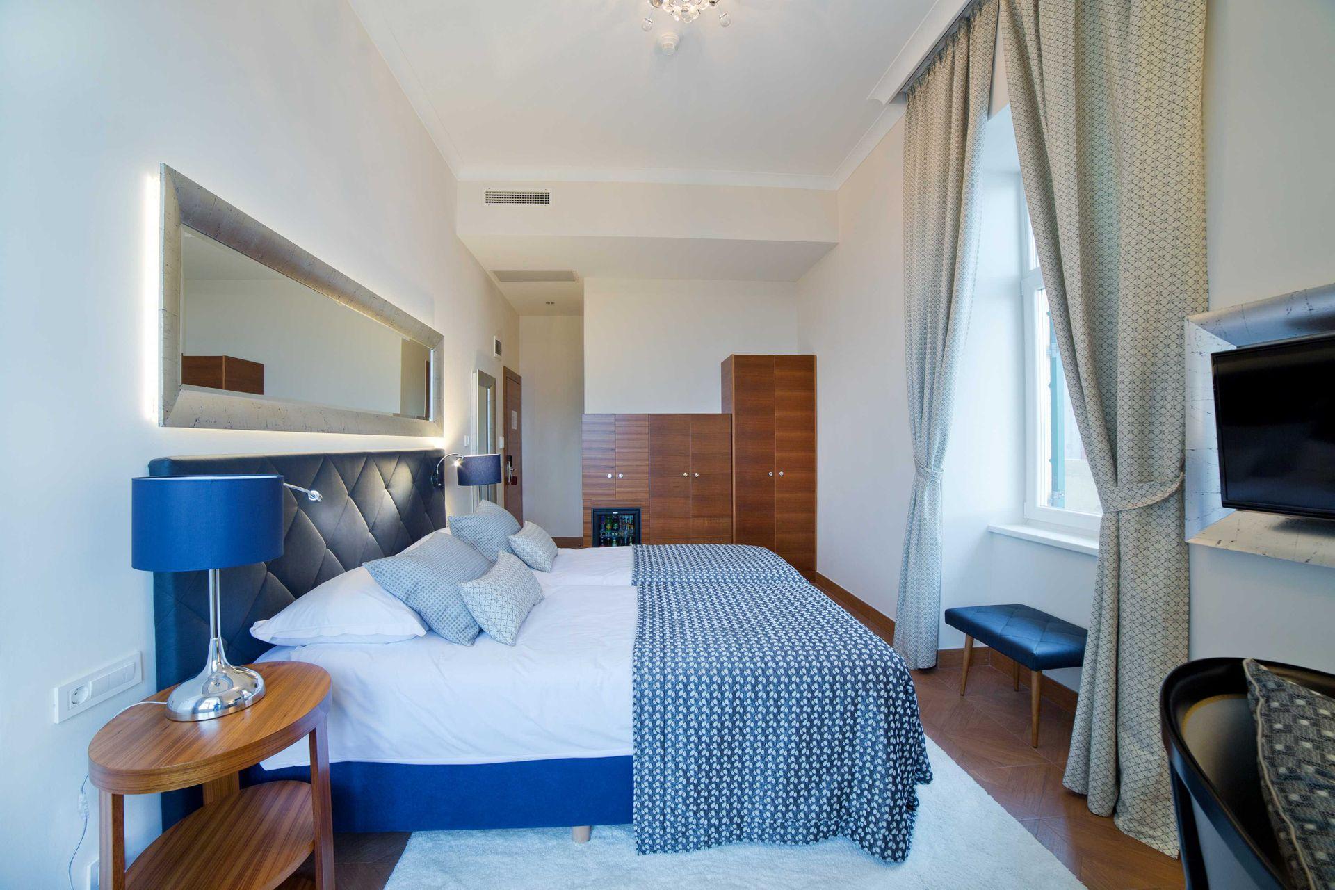 Deluxe Double Room Villa Royal 28 m² Sea View-2