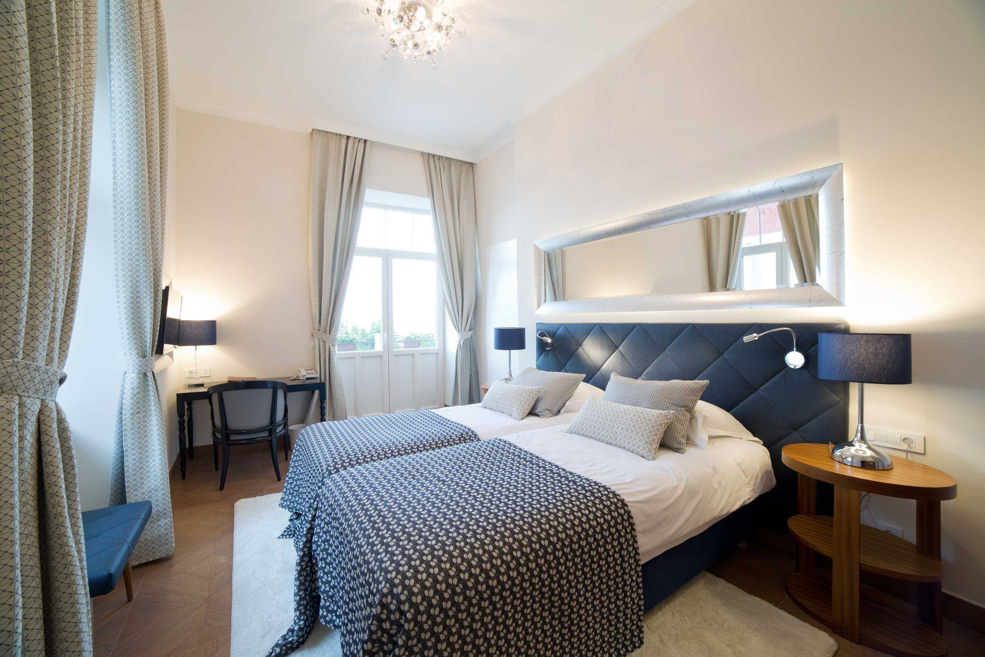Deluxe Double Room Villa Royal 28 m² Sea View-3