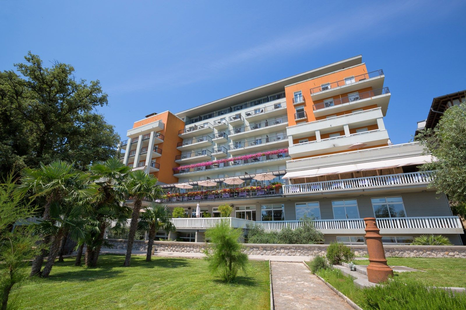 Superior Double/Twin Room Villa Camellia 28 m² Courtyard/Garden View and Balcony-2