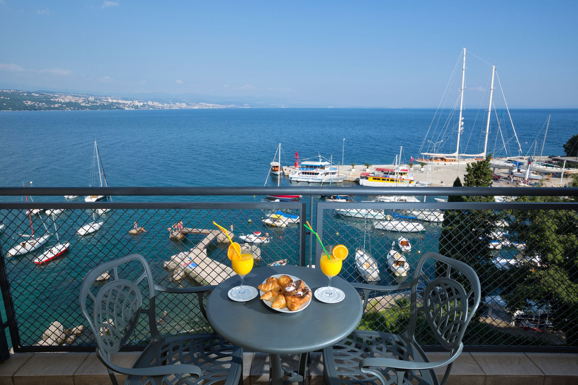 Standard Double/Twin Room Villa Camellia 28 m² Sea View and Balcony-3