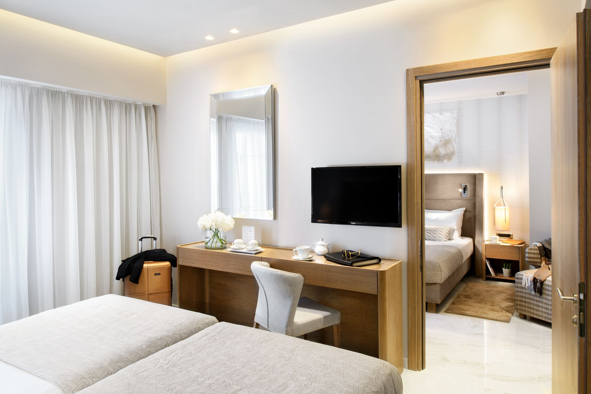 Deluxe Modern Family Room - Grand Hotel Palace Thessaloniki ...
