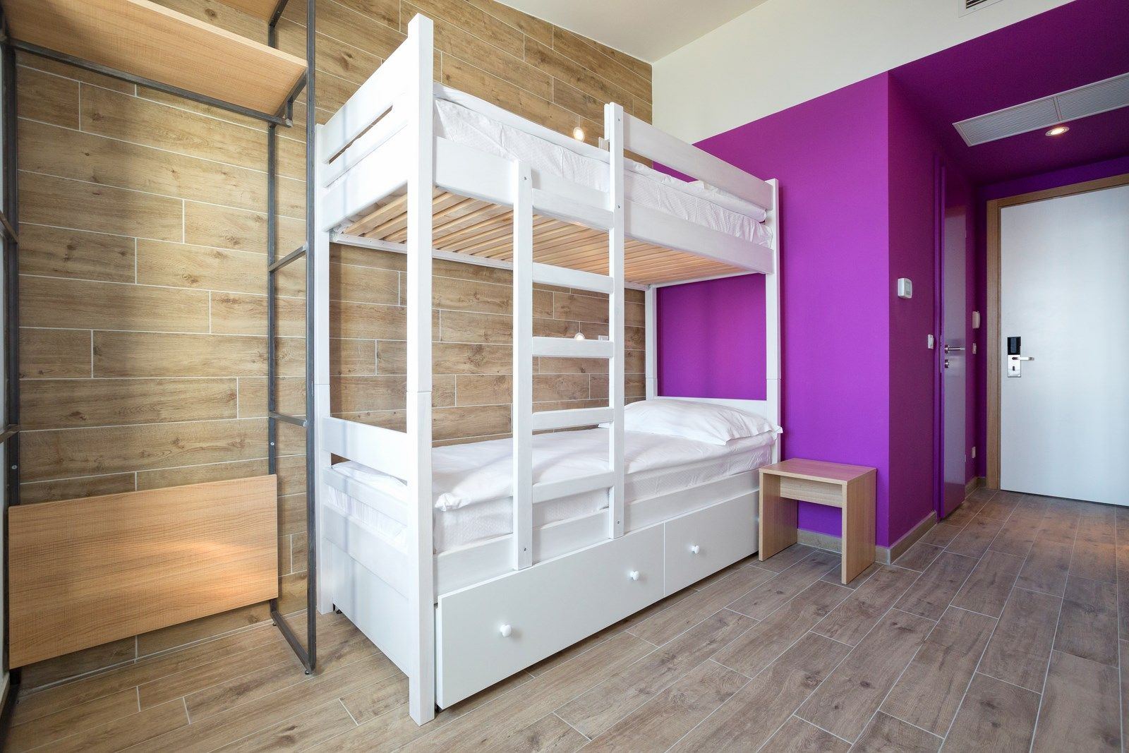 Twin Room with Bunk Beds 14 m² Courtyard/Garden View