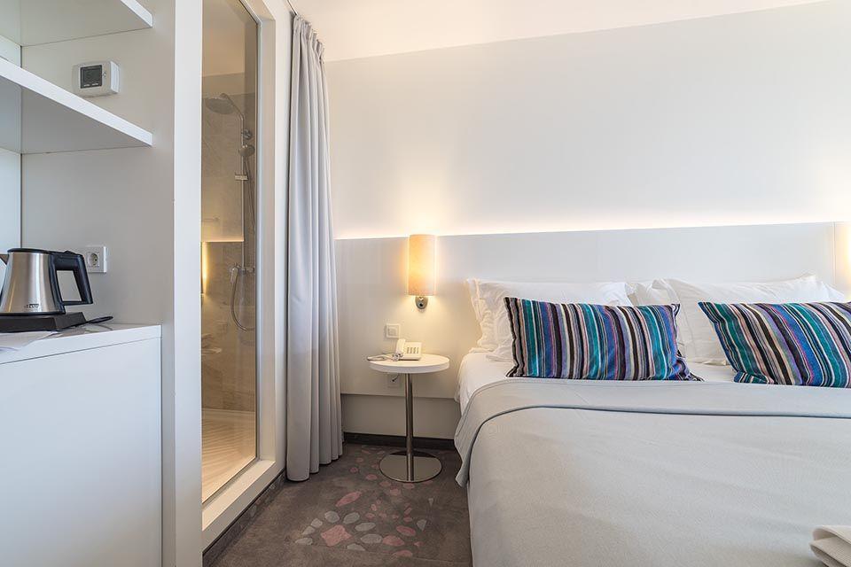 Doppel- oder Zweibettzimmer, 22 m² Meerblick, mit französischem Balkon-7