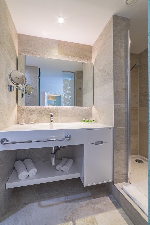 Doppel- oder Zweibettzimmer, 22 m² Meerblick, mit französischem Balkon-8