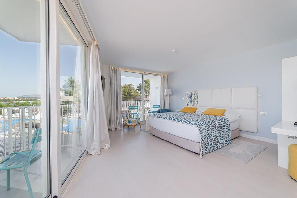Family Large Room 42m² Sea View with Balconies-2