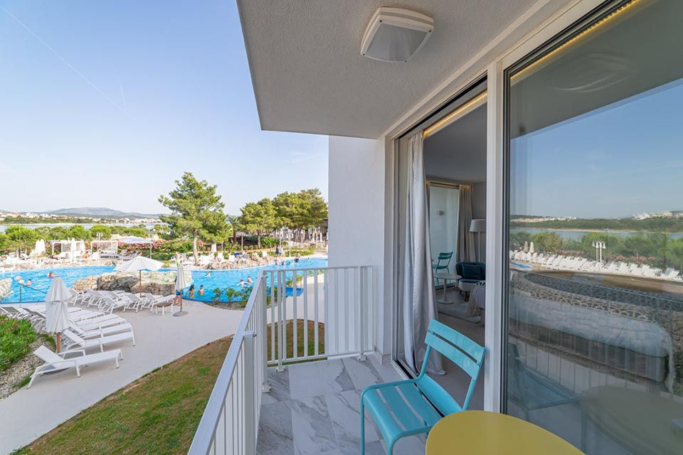 Family Large Room 42m² Sea View with Balconies-8