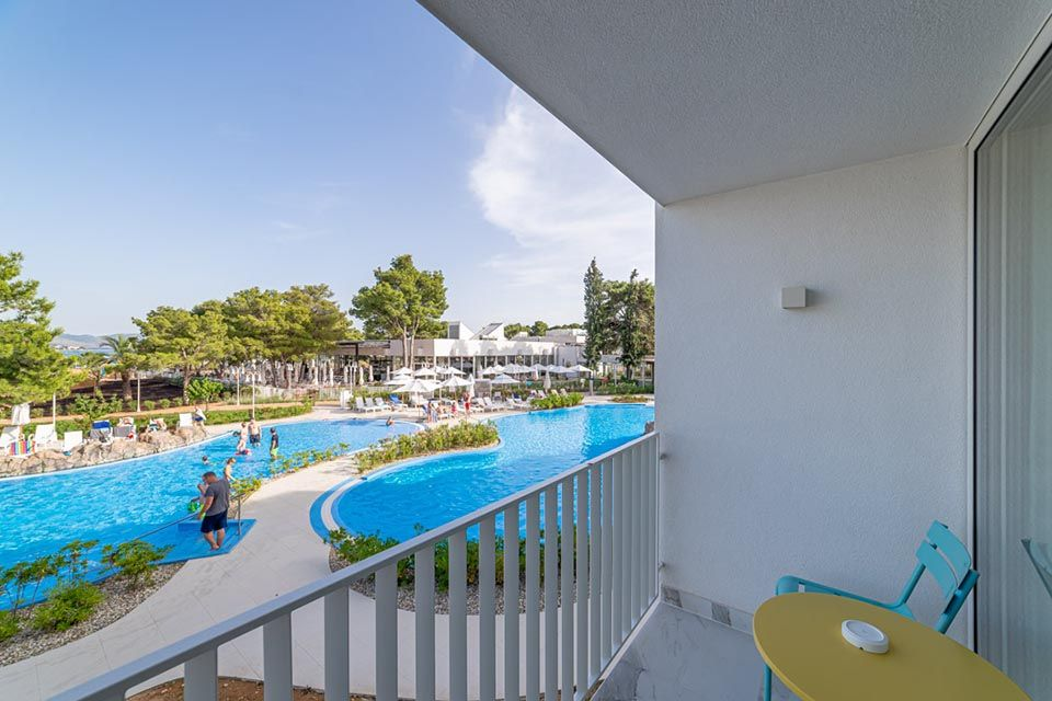 Family Large Room 42m² Sea View with Balconies-9