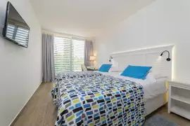 Double or Twin Room 22m² Courtyard/ Garden View with French Balcony-4