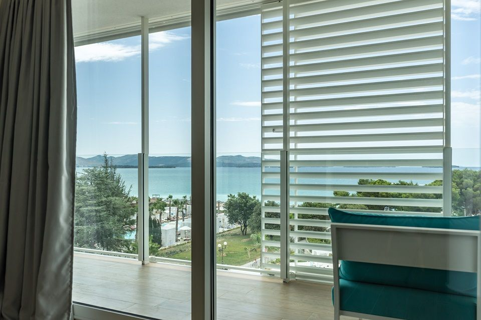 Suite 55m² Sea View with Balconies-4