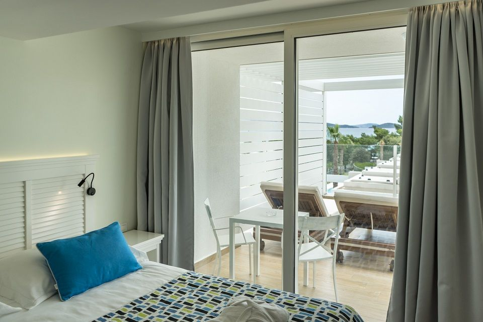 Suite 74m² Sea View with Balcony-6