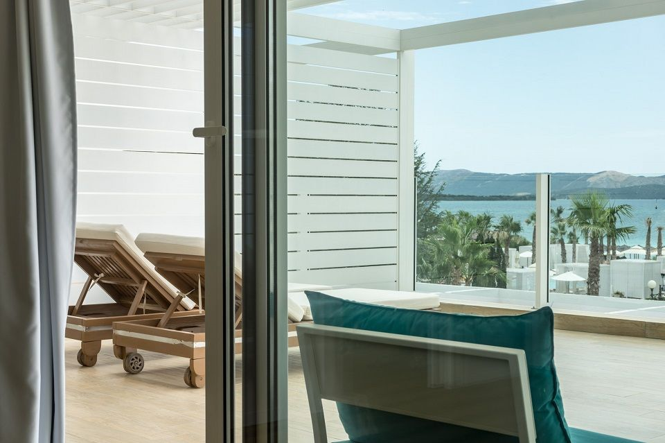 Suite 74m² Sea View with Balcony-9