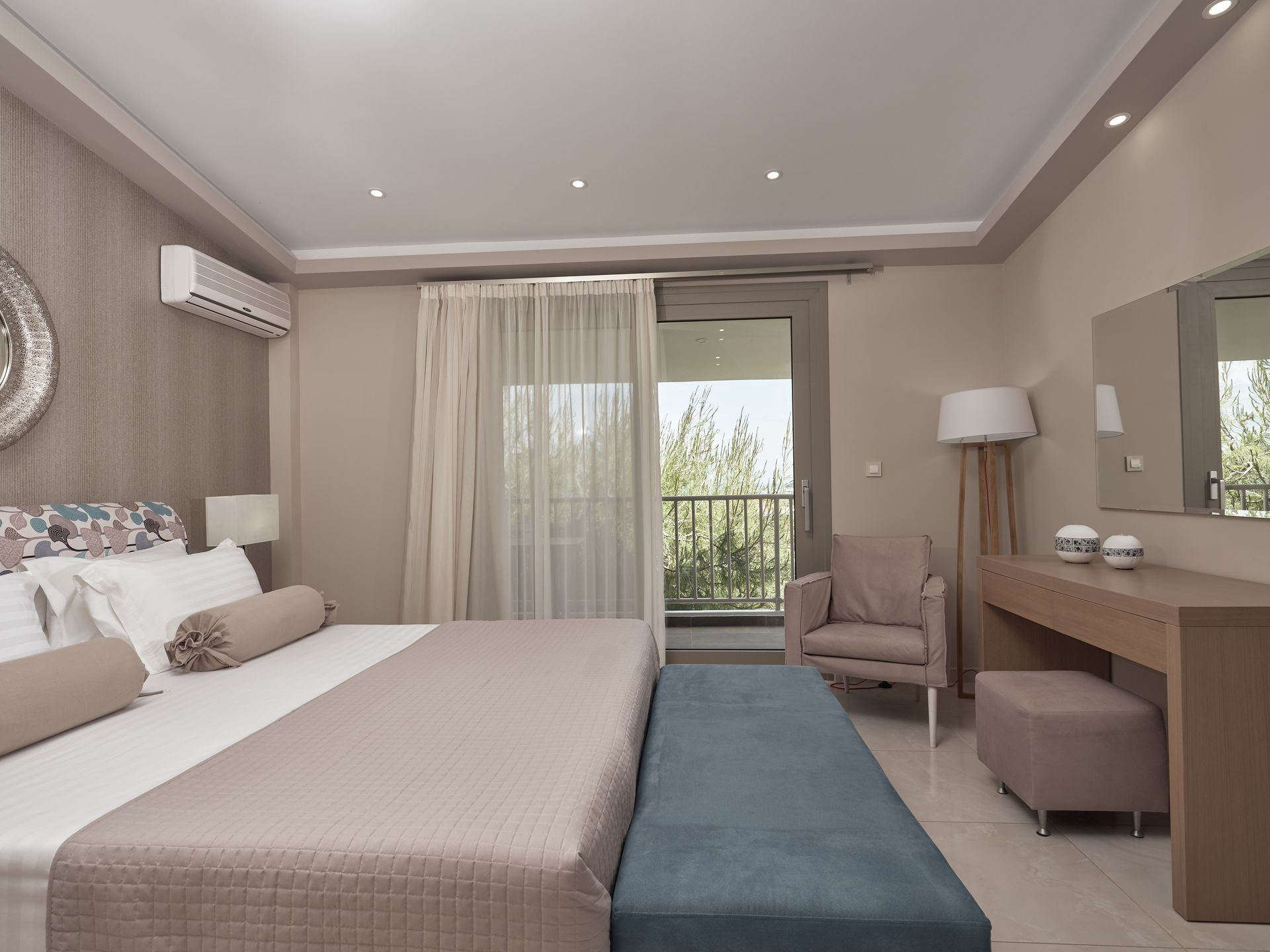 Koukounaria Luxury Room for 2 pax