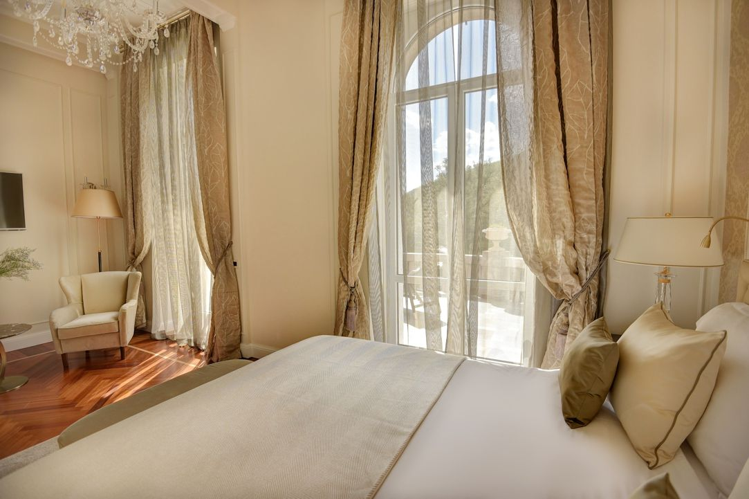 Sissi & Franz Joseph Suite 60 m² Sea View and Balcony-3