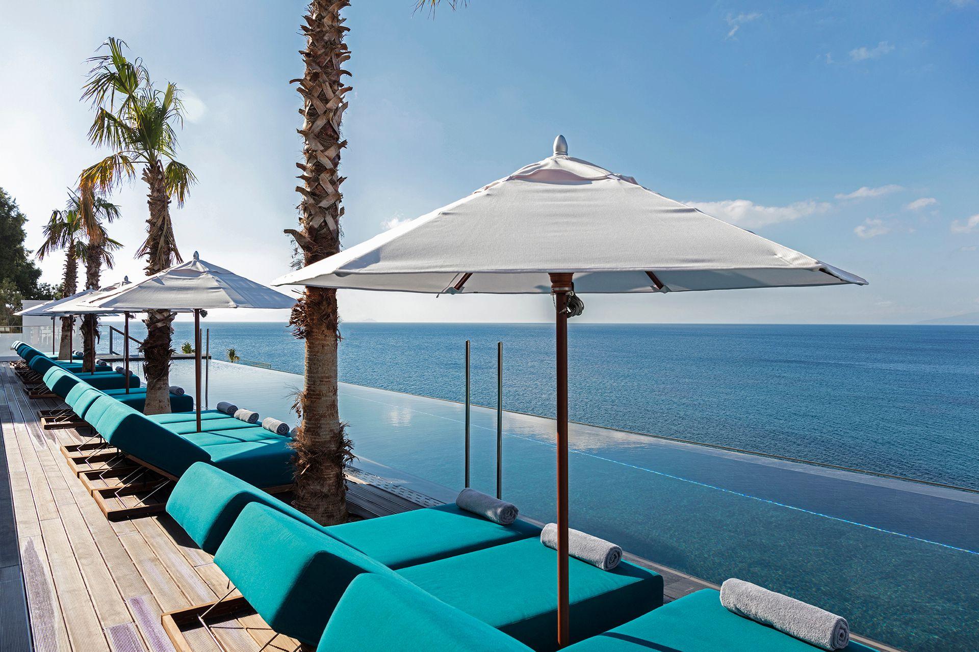 About Mitsis Summer Palace Beach Hotel
