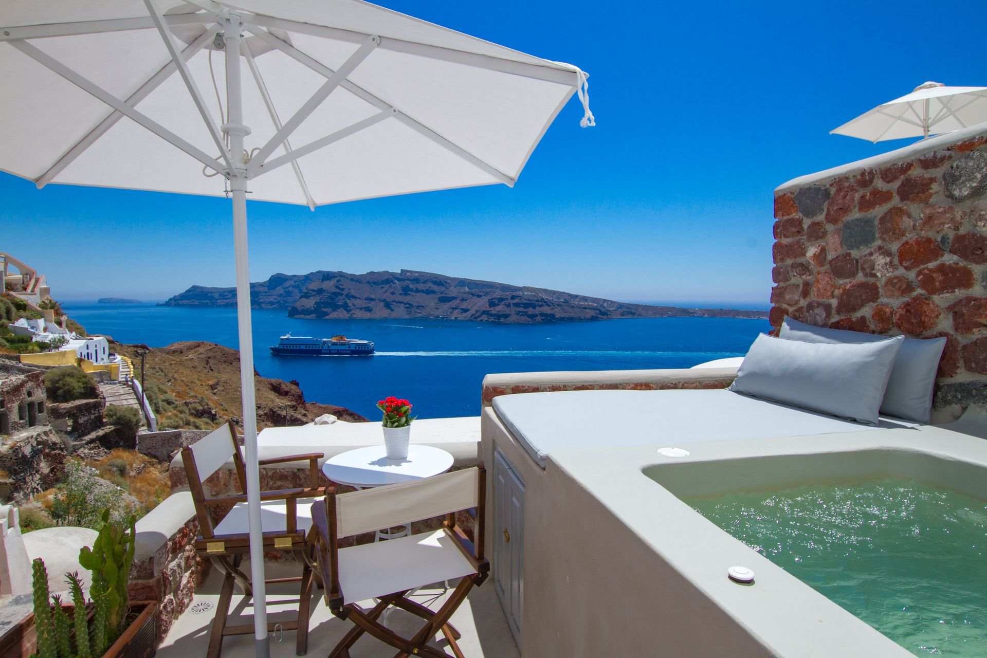 Cave Suite with Outdoor Private Hot Tub Caldera and Sea View - Oia ...