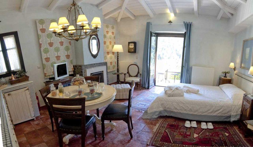 Ostra Menalon Luxury Suites, Καρδαράς, Αρκαδία