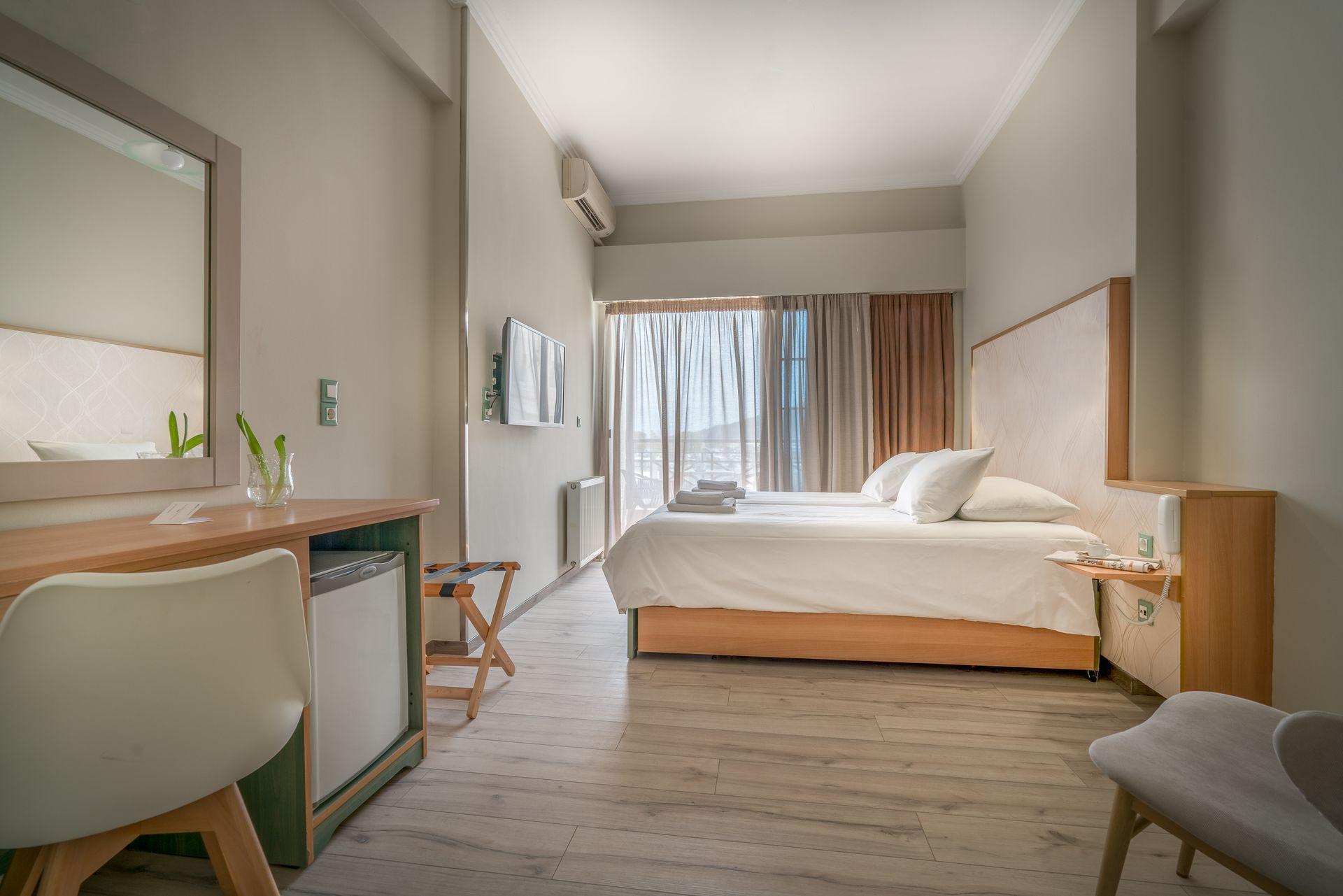 Δίκλινο δωμάτιο με θέα θάλασσα phoenix hotel