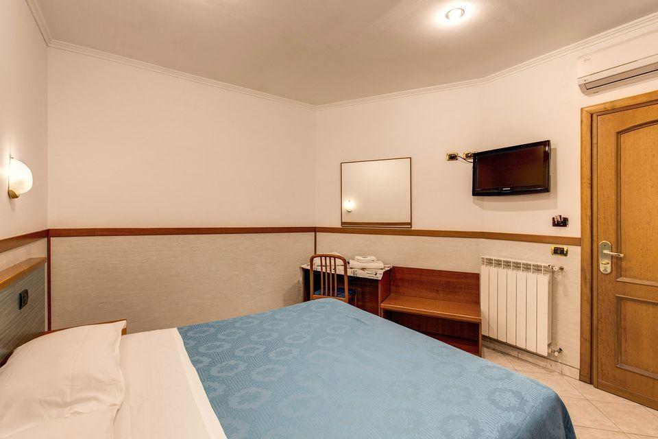 Soggiorno Blu Hotel Rome | Book Online