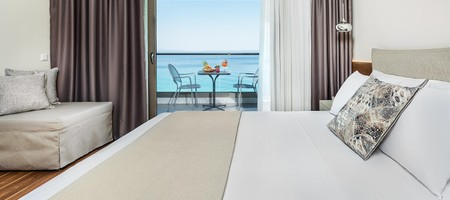 Premium Deluxe Suite Sea View
