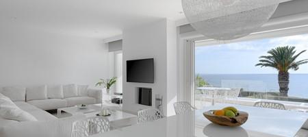 Luxurious Beachfront Villa Maira