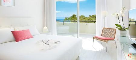 Premier Room Side Sea View