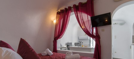 Deluxe Double Room with Caldera View