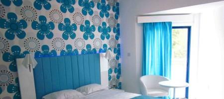 Studio Hotel Room