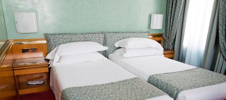Twin Room with Whirlpool Spa Bath