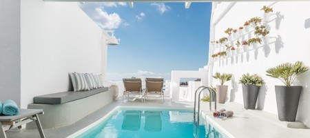 Master Suite with Outdoor Private Pool Caldera View