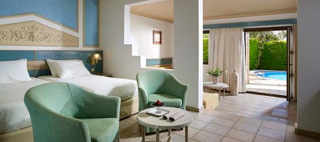 Junior Suite with Pool Access