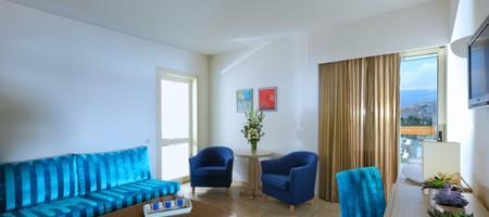 Standard Suite 1-Bedroom Garden View