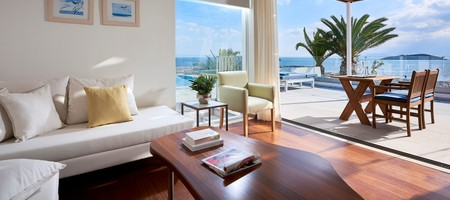 Prime Club Suite Private Pool Seafront – Penelopi