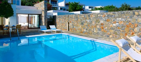 Club Suite 2Bedroom Private Pool Seafront – Poseidon House