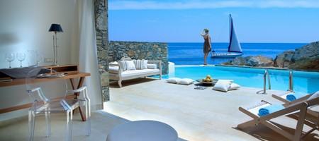 Club Studio Suite Private Pool Seafront - Rock 1/ Rock 2/ Siroko