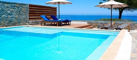 Club 2 Bedroom Suite Private Pool Seafront - Siroko